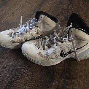 Basketball shoes hyperdunk